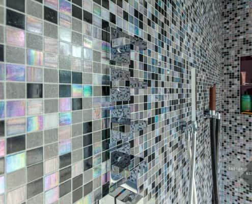 Mosaik-Fliesen in der Dusche